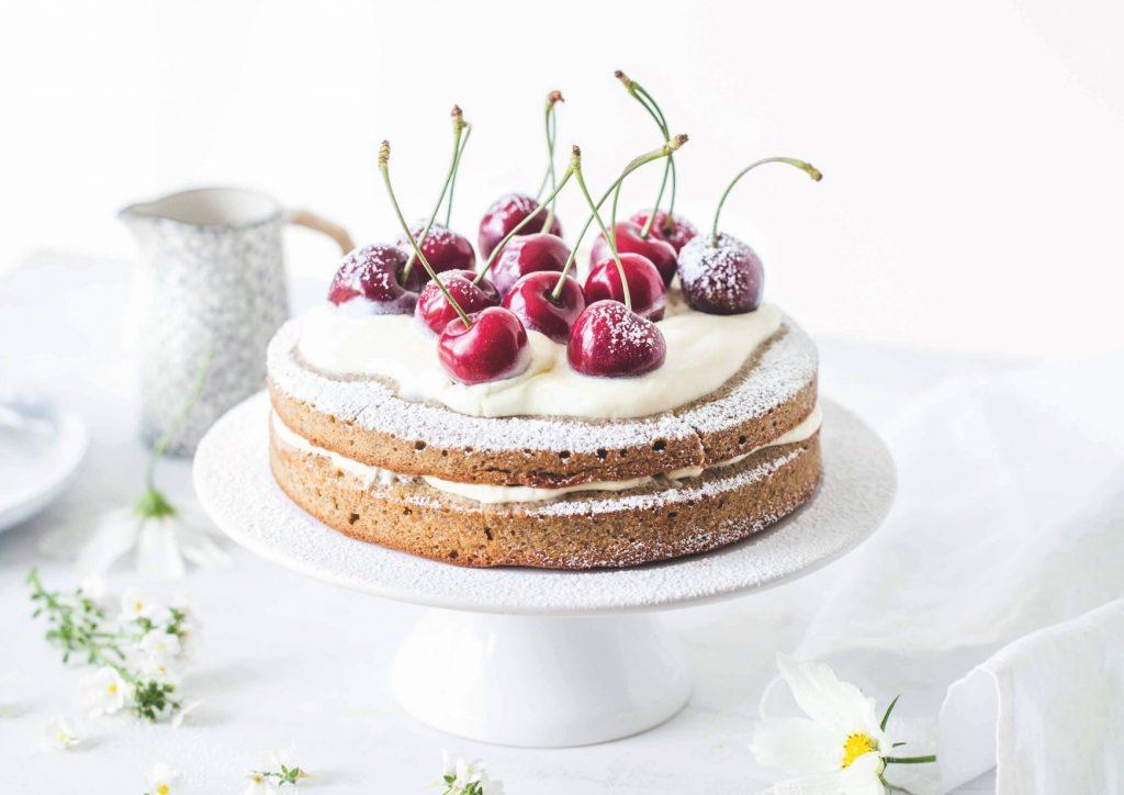 Köstlich in Szene gesetzter Kuchen unterstützt Unternehmen ihre Botschaften an die Kunden zu bringen. Food-Fotografie Lisa Nieschlag.