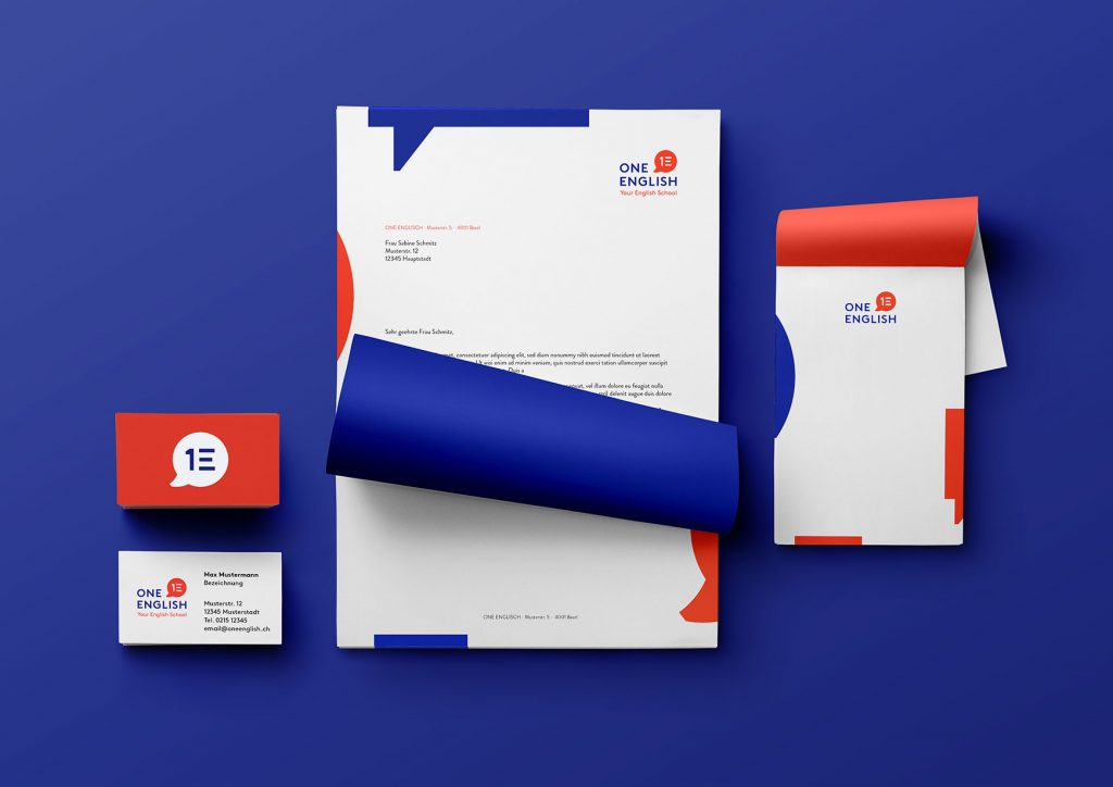 Geschäftspapiere, Visitenkarten, Notizblöcke im neuen Corporate Design
